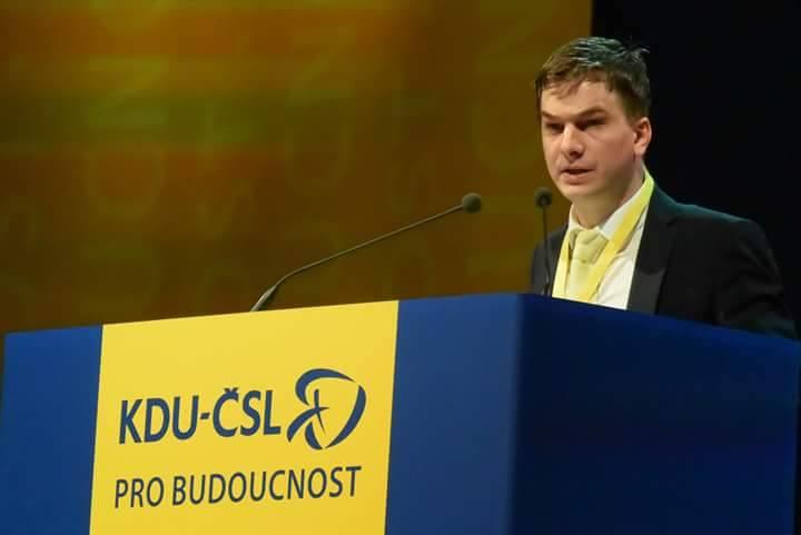 Mladý komunální politik besedoval se zlínskými Mladými lidovci