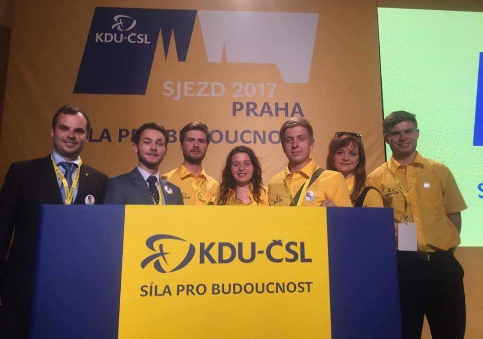 """""""Byla to skvělá zkušenost,"""" říkají o účasti na sjezdu KDU-ČSL naši delegáti"""