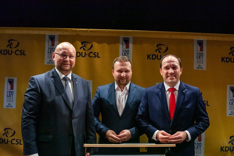 Druhá debata kandidátů na předsedu KDU-ČSL ukázala silné i slabé stránky jednotlivých kandidátů
