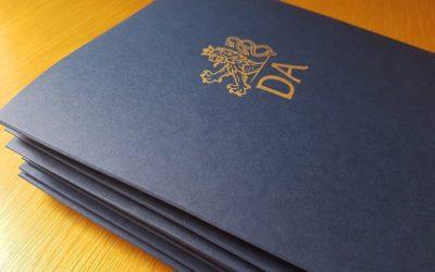 Náš 1. místopředseda úspěšně zakončil studium na Diplomatické akademii